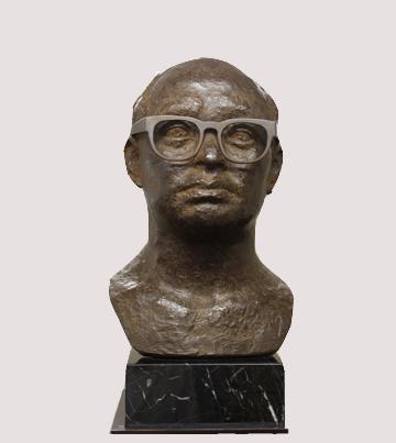 2014年8月 銅像クリーニングと木製台座の修復・眼鏡の製作
