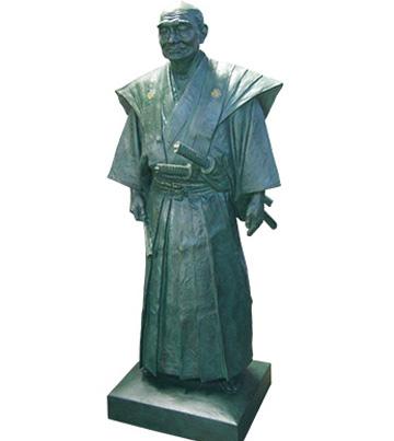 2015年7月 銅像(ブロンズ像) 修復 クレーン作業込