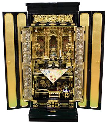 4月10日 金仏壇の洗濯